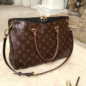 Authentic Louis Vuitton Pallas MM